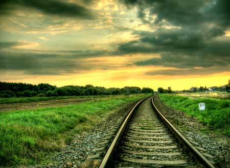 راه آهن در غروب