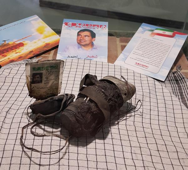 دوربین عکاس شهید کربلایی احمد در دفتر روزنامه همشهری