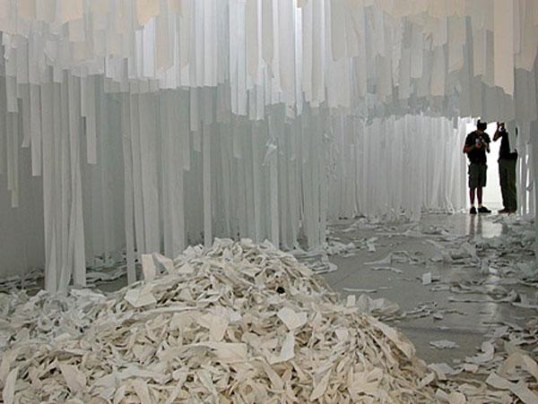 گوشه ای از نمایشگاه مرگ مخاطب در وین - 2009