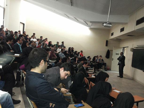 لحظه نگار - محمدرضا شعبانعلی در کلاس درس
