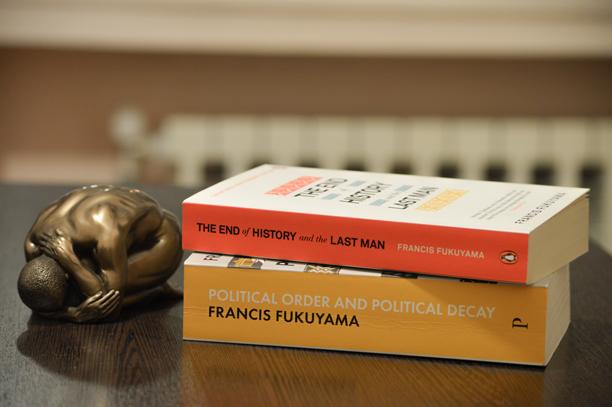 دانلود کتاب پایان تاریخ و واپسین انسان - فرانسیس فوکویاما
